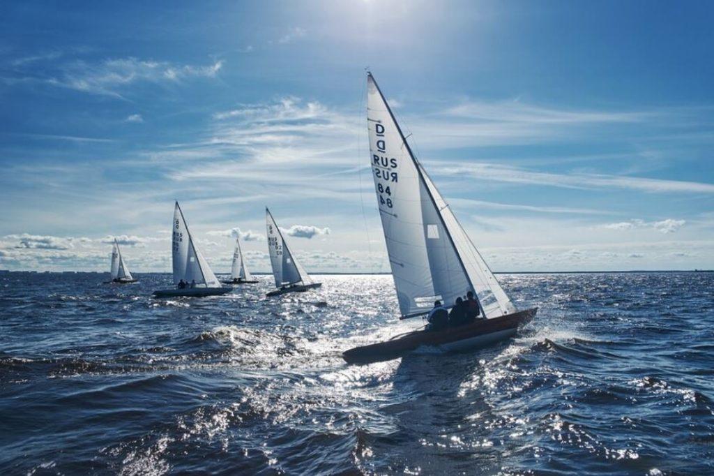 Экскурсия на яхте в Санкт-Петербурге